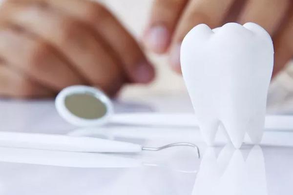 周先生  牙周植骨术案例